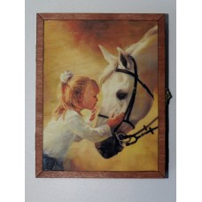"Ключница ""Девочка и лошадь"""
