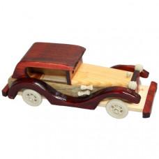 Средний деревянный автомобиль